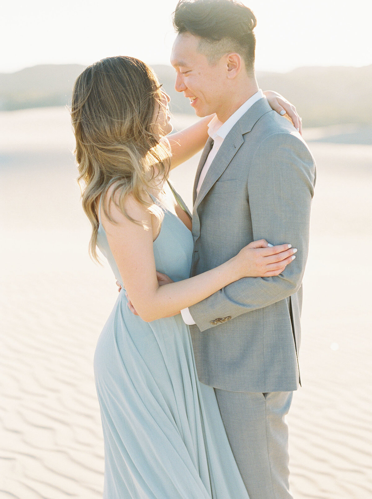 sand-dune-engagement-photos-25