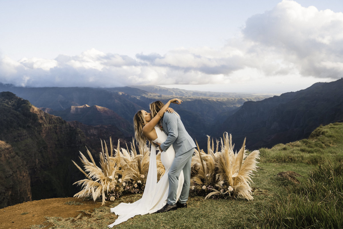 waimea-canyon-kauai-elopement-hawaii-elopement-photographer-sydney-and-ryan-photography