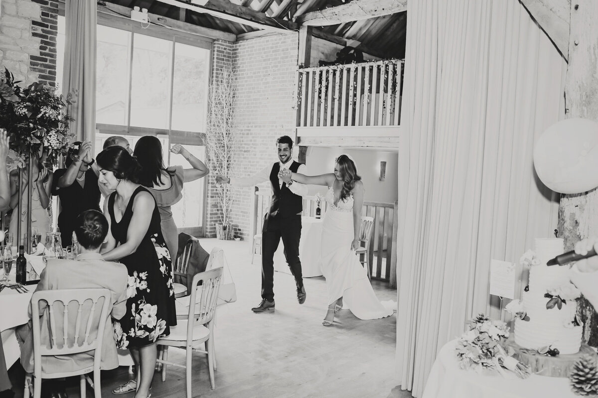 BURY-COURT-BARN-WEDDING-SUMMER-0056