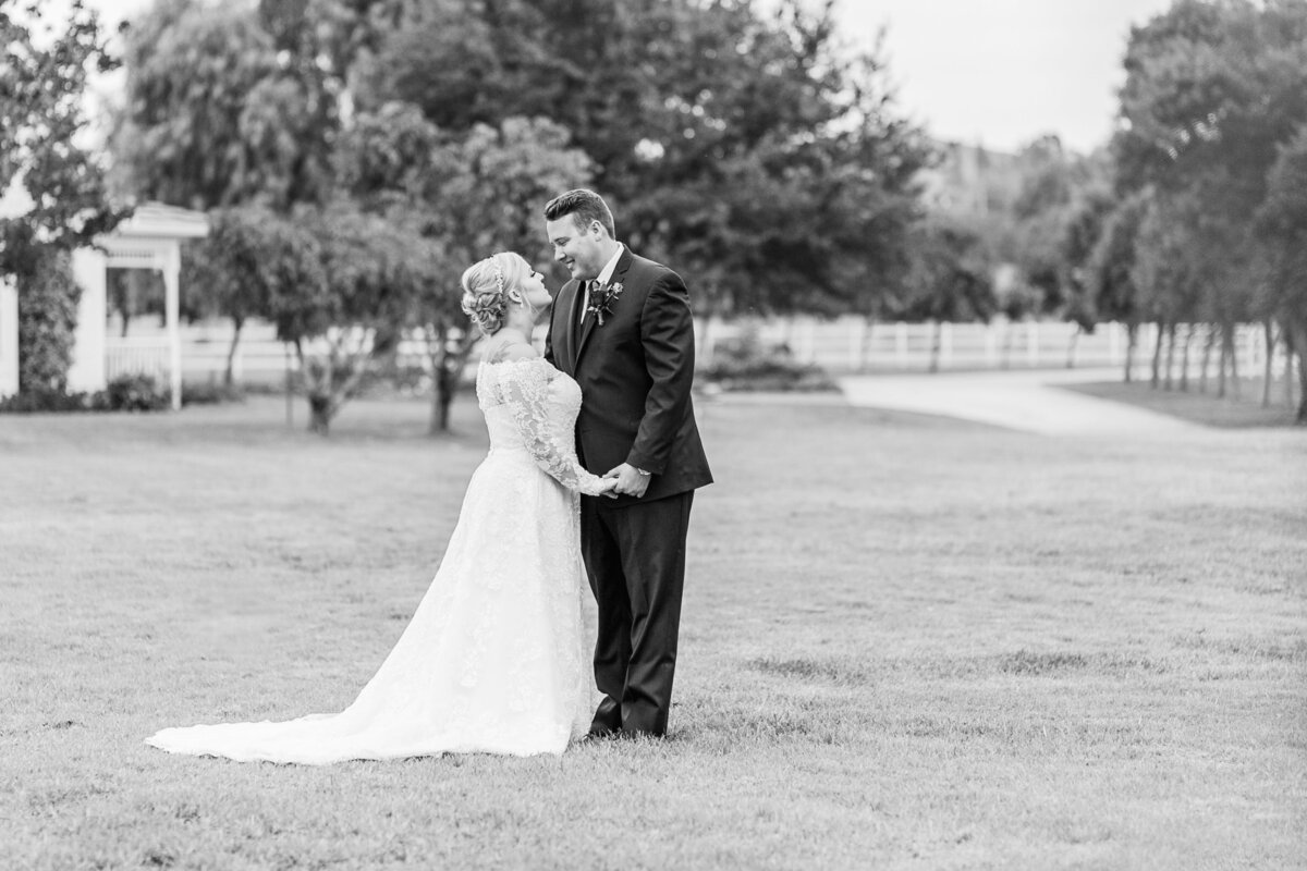 Kelli-Bee-Photography-Gallery-Farm-Southern-CA-Norco-Rustic-Wedding-Luxury-Lifestyle-Photographer-Lauren-Ben-0048