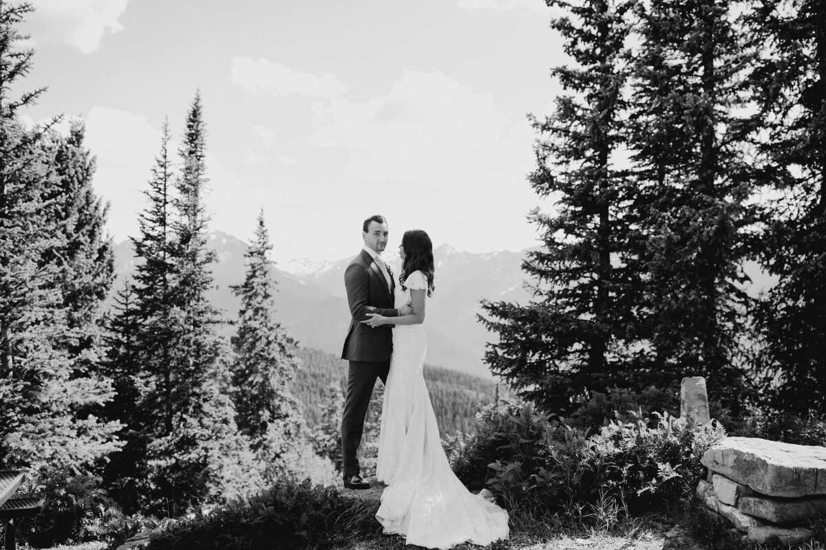 gps-aspen-the-little-nell-wedding-deck-just-married-mountaintop-bw-8