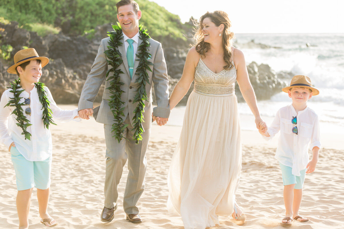 maui vow renewal with boys