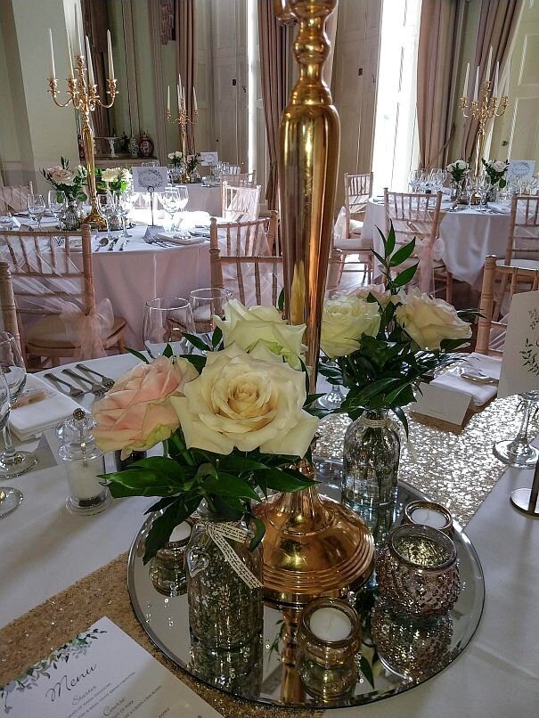 Blush and gold candelabra wedding (3)