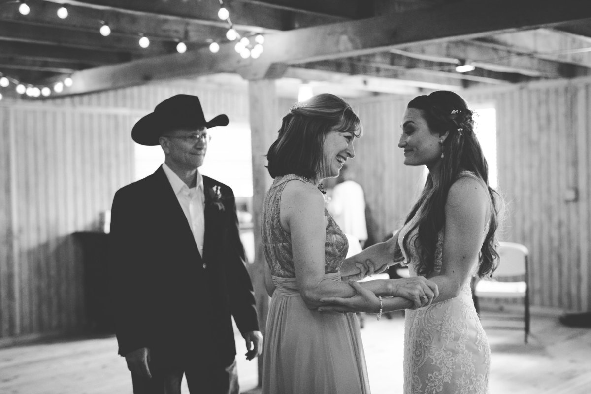Nsshville Bride - Nashville Brides - The Hayloft Weddings - Tennessee Brides - Kentucky Brides - Southern Brides - Cowboys Wife - Cowboys Bride - Ranch Weddings - Cowboys and Belles151