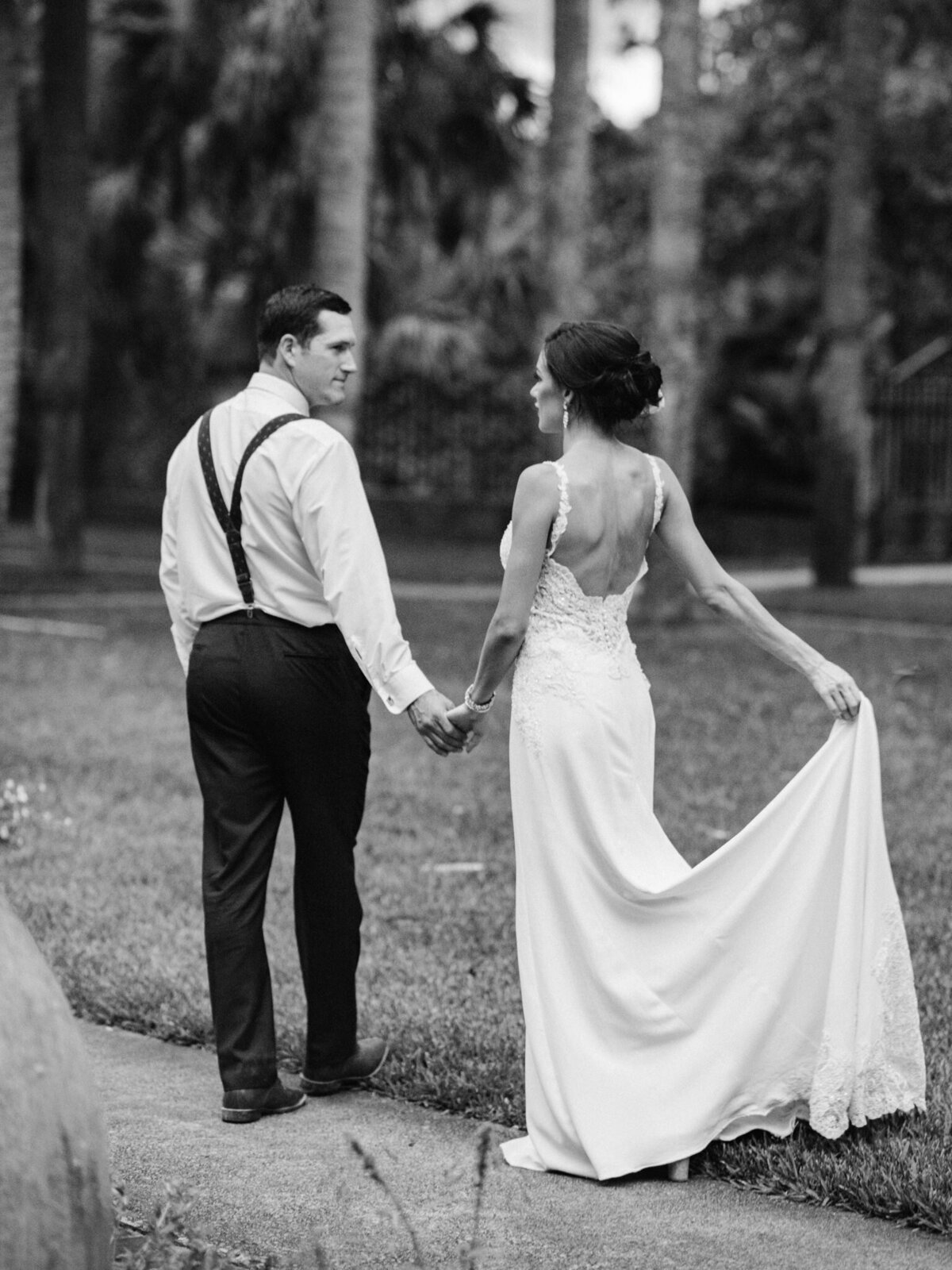 Brookgreen Gardens Wedding Pictures by Top Pawleys Island Wedding Photographer-29