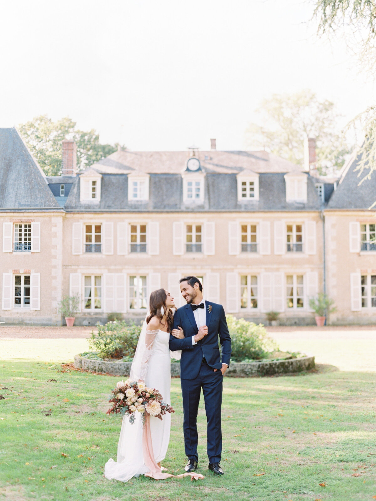 chateau-bouthonvilliers-wedding-paris-wedding-photographer-mackenzie-reiter-photography-87