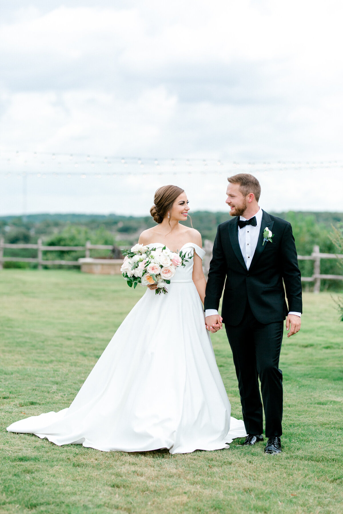 Lexi Broughton & Garrett Greer Wedding at Dove Ridge Vineyards | Sami Kathryn Photography | Dallas Wedding Photography-78