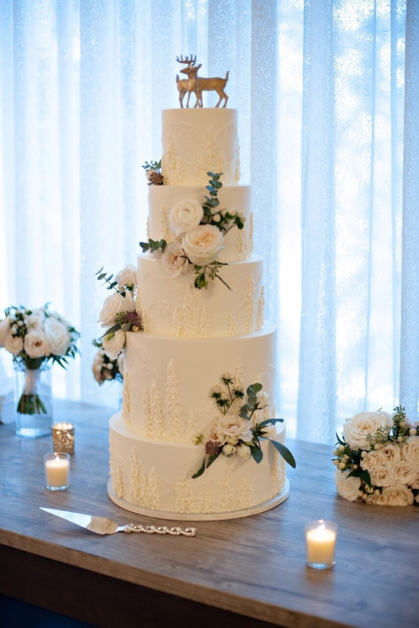 5 Tier Wedding Cake - Kake by Darci - Banff Wedding Cake