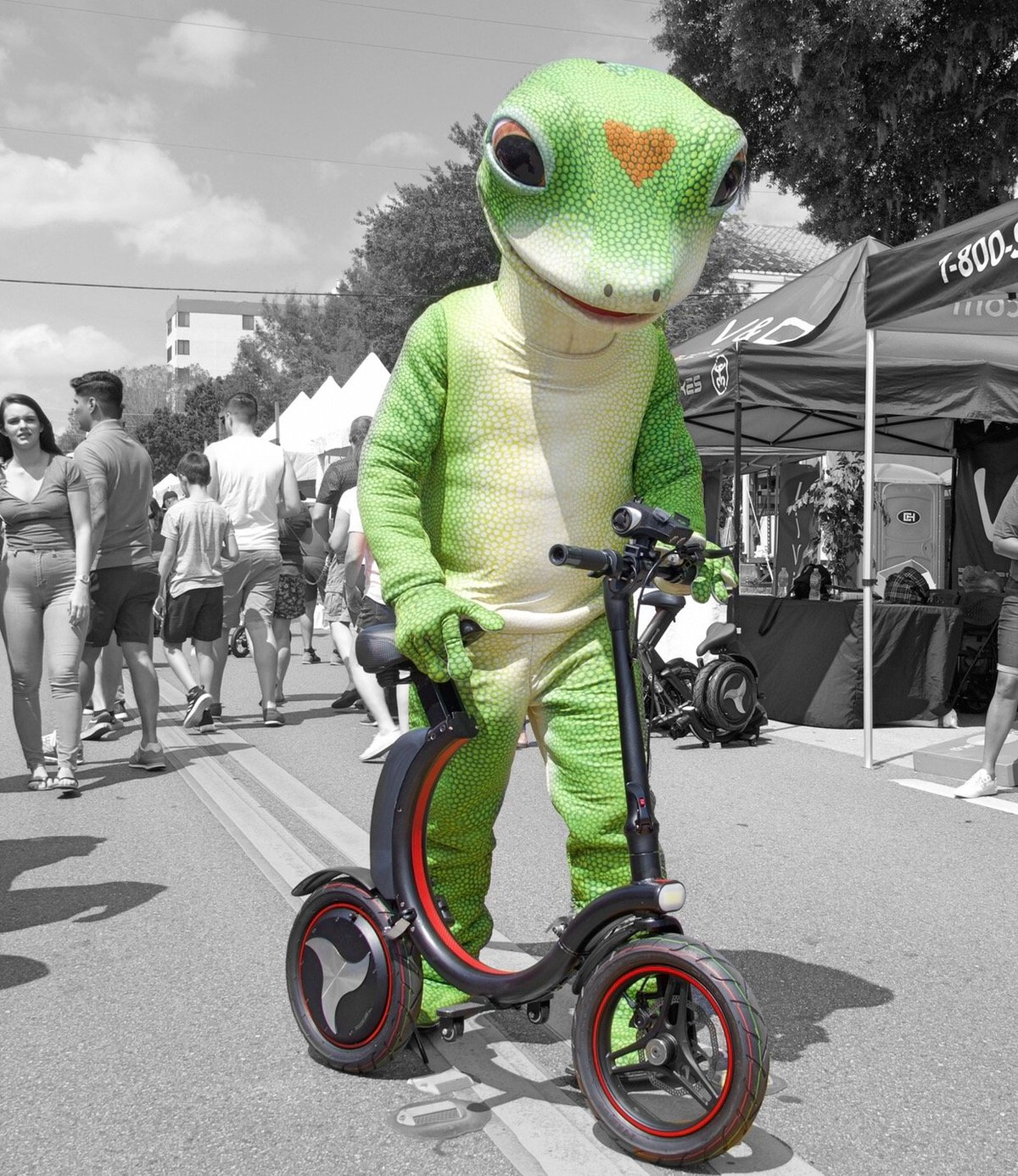 Geico Frog showing off Go-Bike Q1