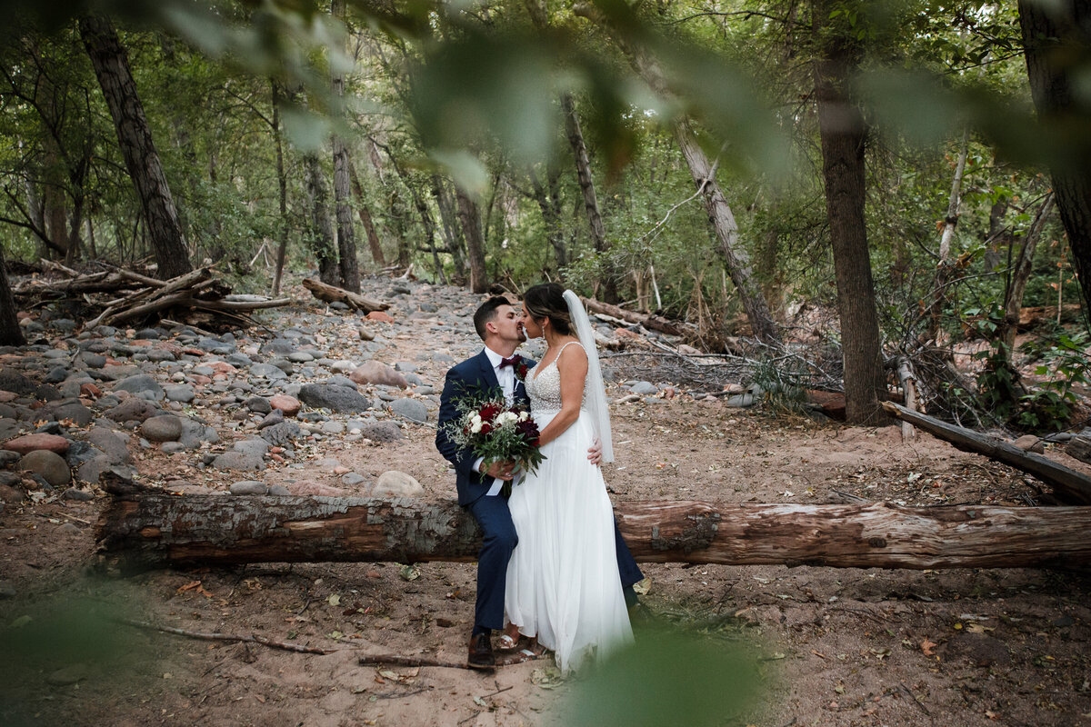 Sedona-Arizona-Elopement-Cathedral-Rock-Destination-Wedding-Photographer-107