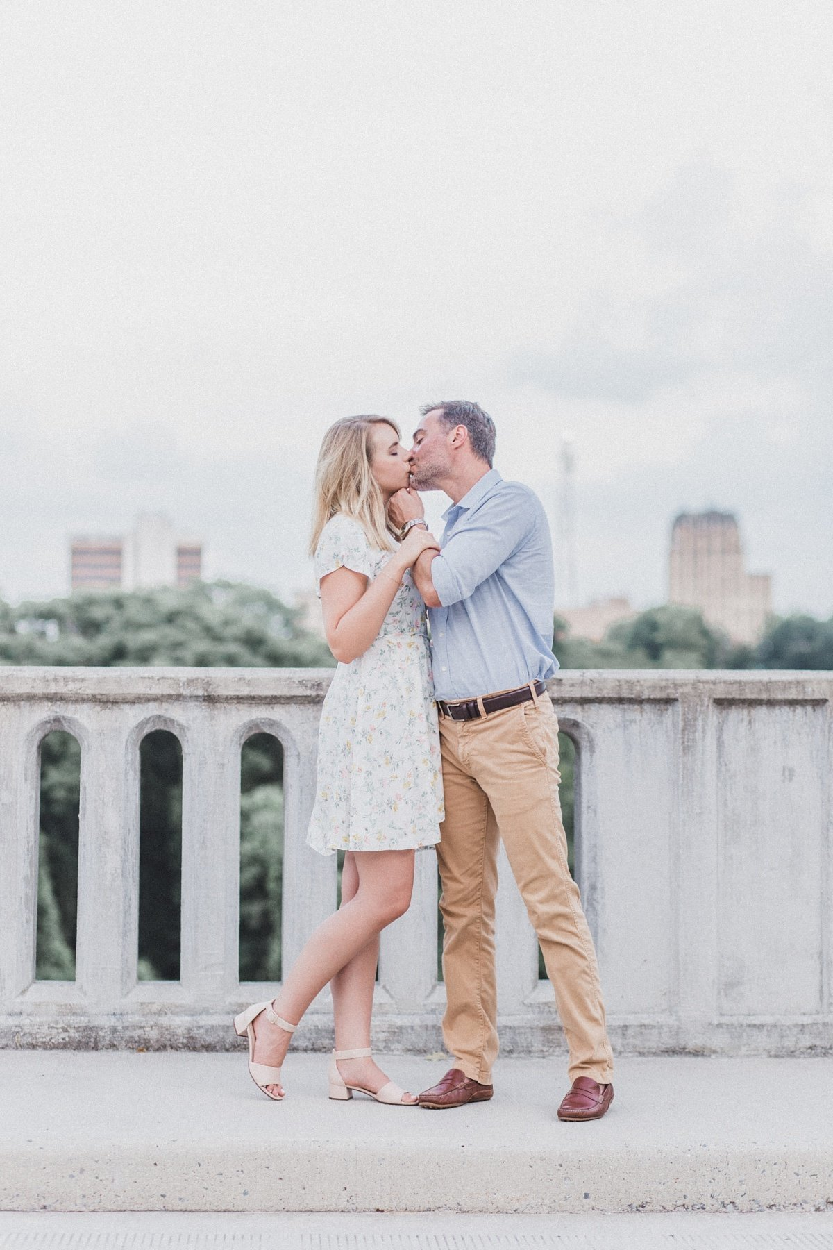 darrell-sarah-downtown-lynchburg-engagement_0032