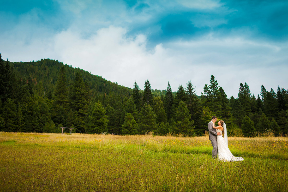 brown family homestead wedding leavenworth washington