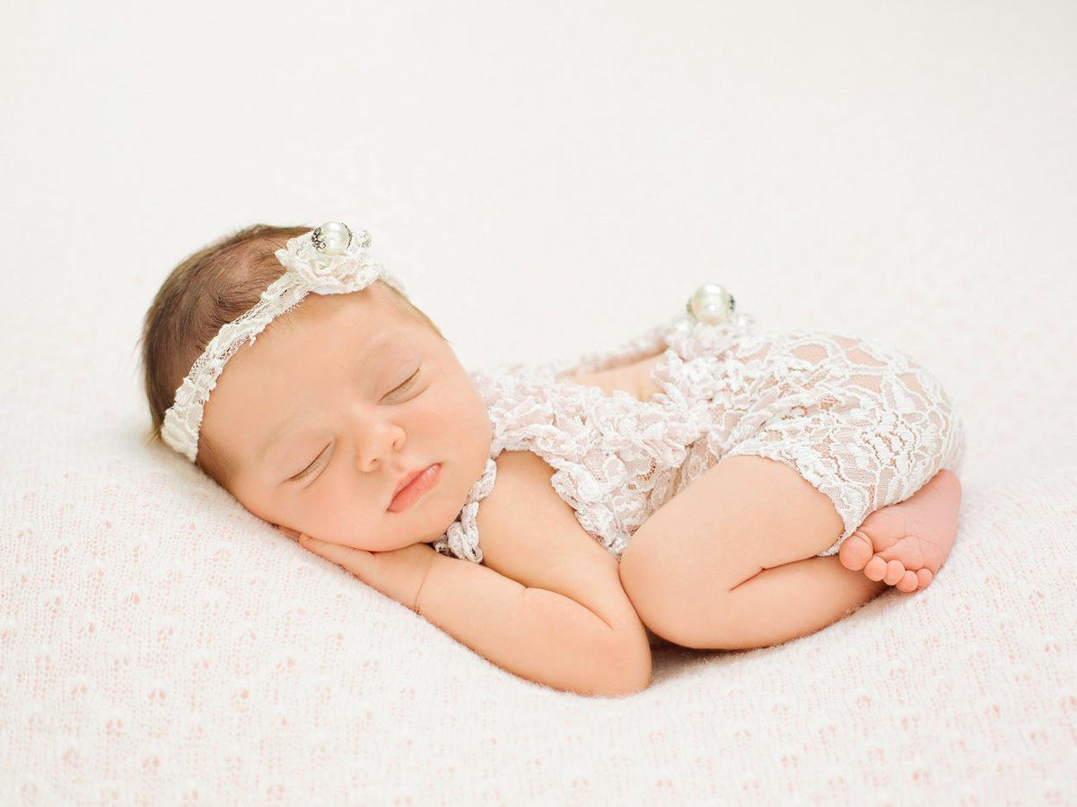newborns baby girl photos107