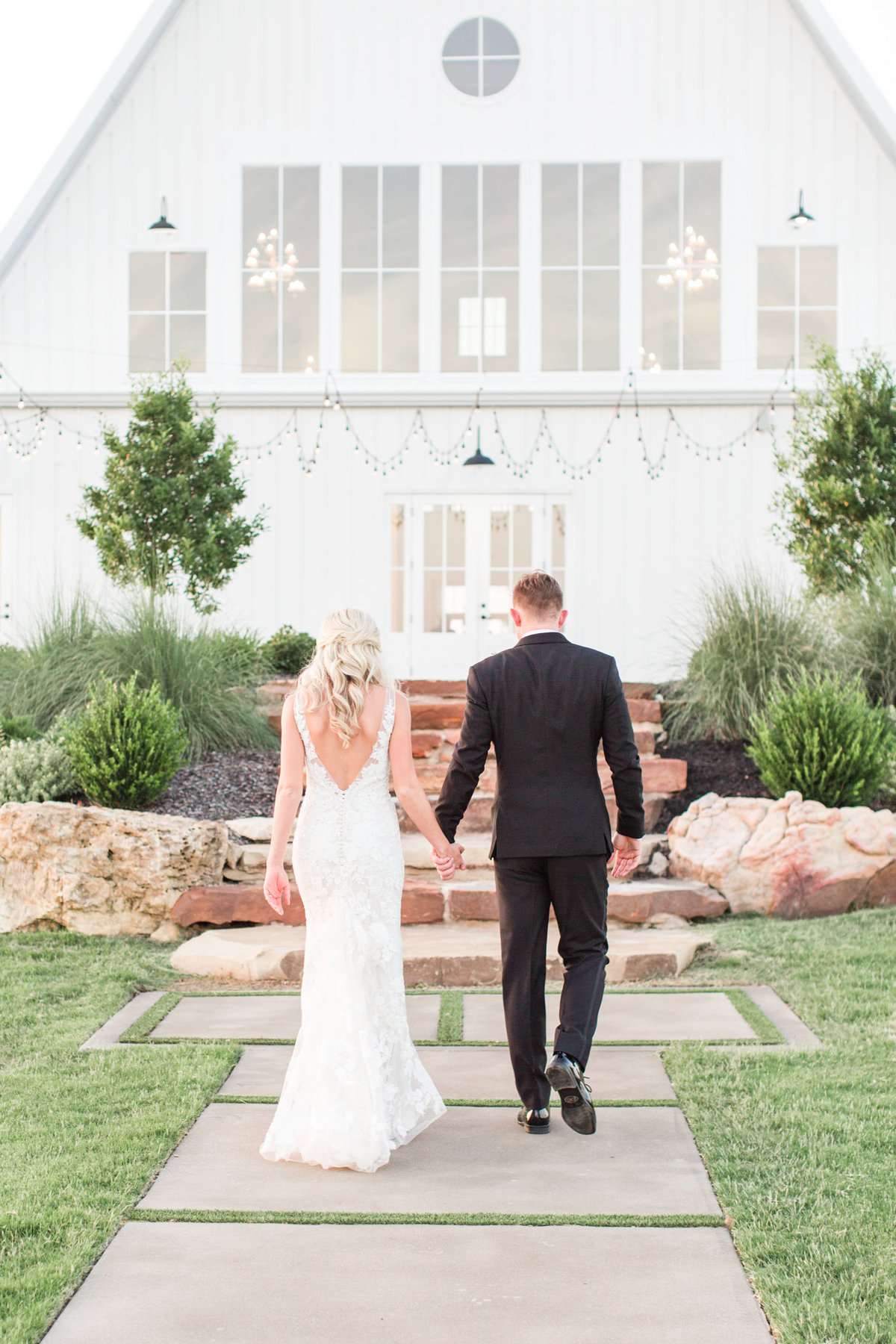 Dallas Wedding Photographers | Sami Kathryn Photography | Portfolio: Katie & Nick Wedding at The Nest at Ruth Farms