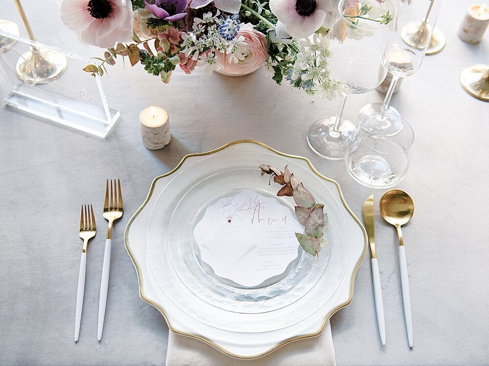 Modern-love-event-leigh-and-mitchell-white-wedding-placesetting-ideas