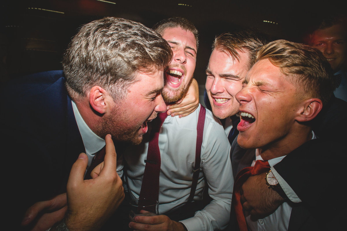 guys singing dancefloor wedding