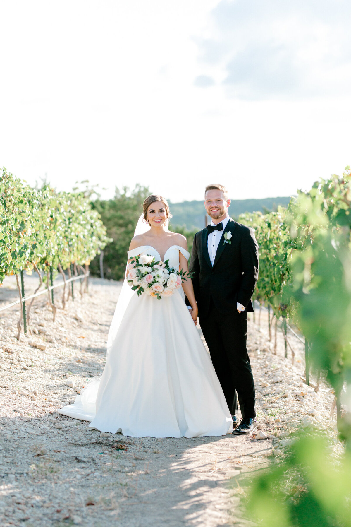 Lexi Broughton & Garrett Greer Wedding at Dove Ridge Vineyards | Sami Kathryn Photography | Dallas Wedding Photography-127