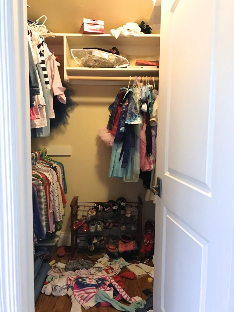 shared-girls-closet-before
