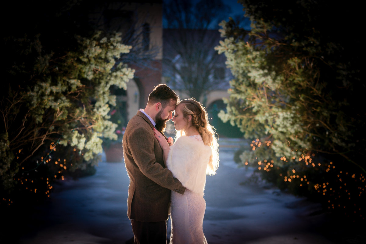 winter-wedding-pa-portrati-backlight