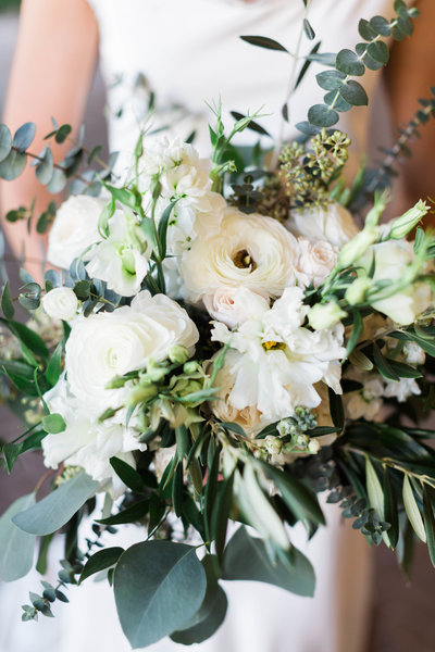white bouquet-5