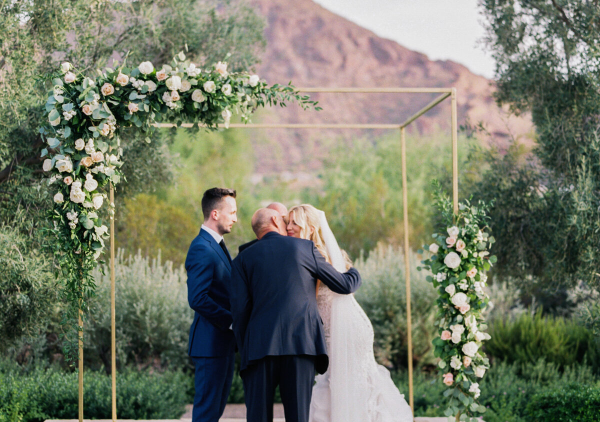Mary Claire Photography | Arizona & Destination Fine Art Wedding Photographer