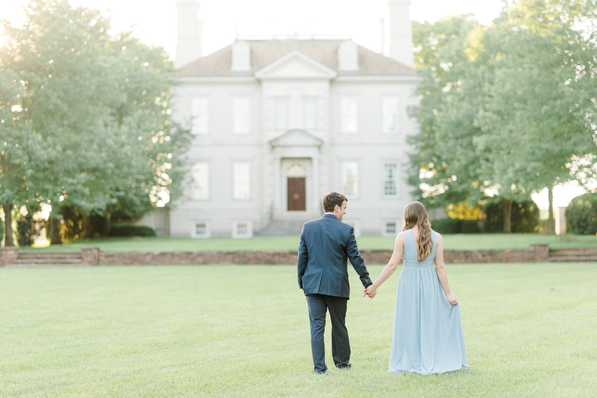 great-marsh-estate-virginia-engagement-photo