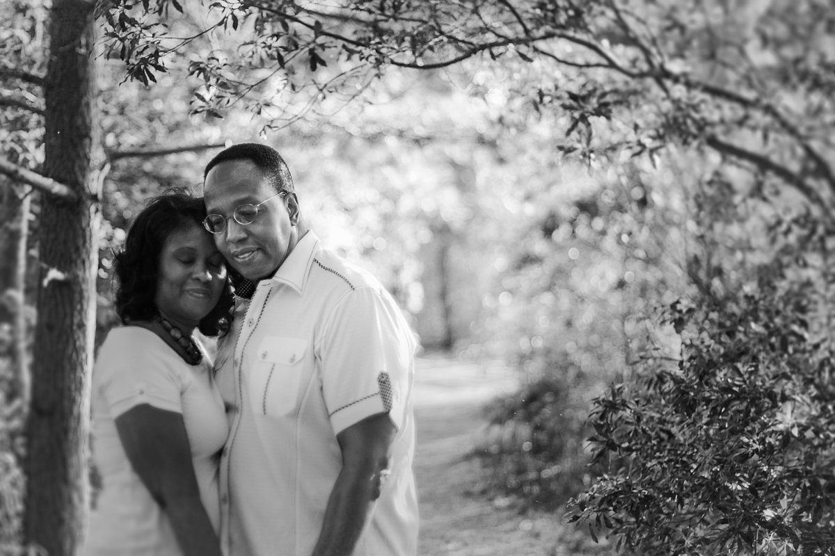 charlotte wedding photographer uses freelens to capture a dreamy portrait for this engagement session