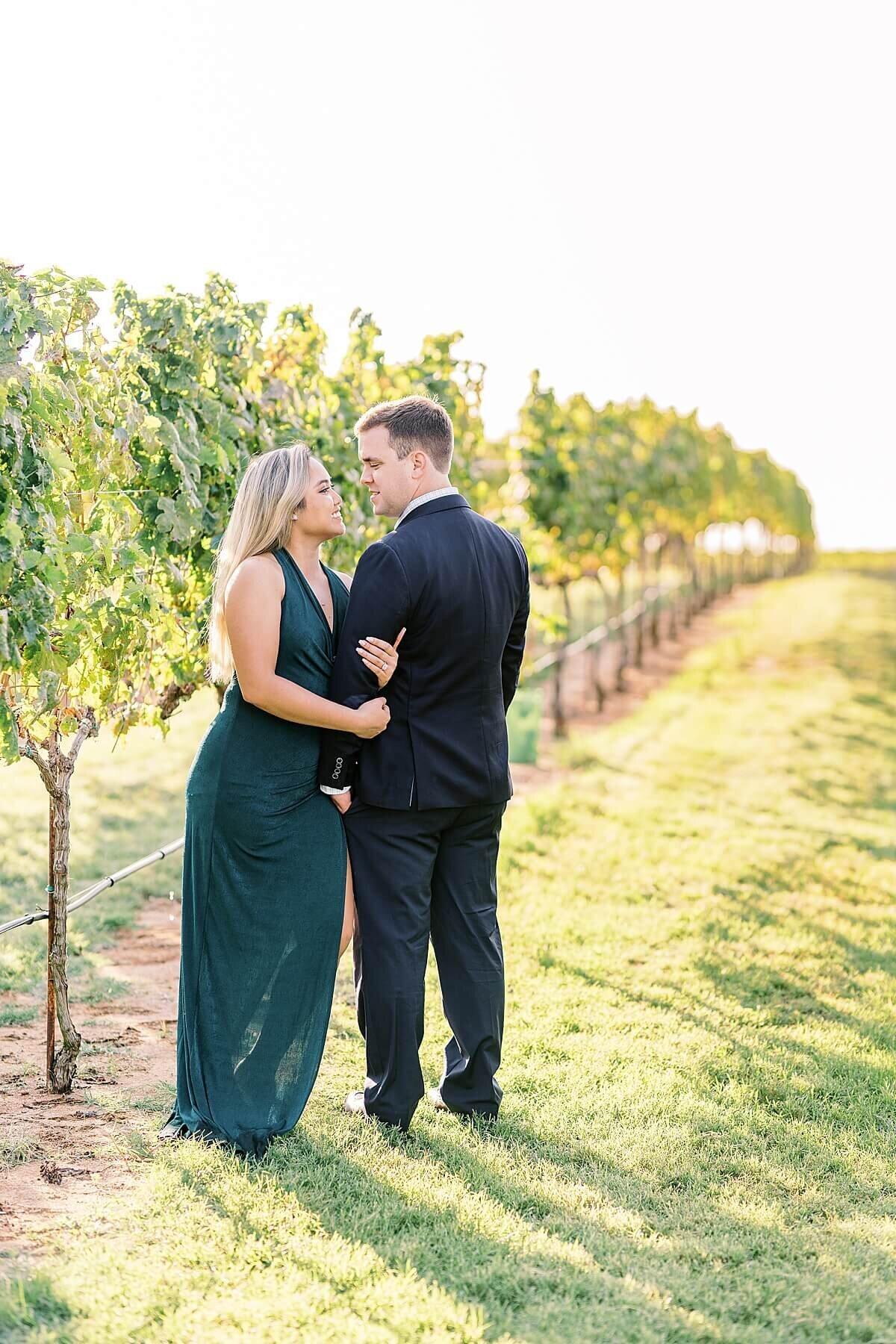 Texas-Hill-Country-Vineyard-Engagement-Portrait-Session-Alicia-Yarrish-Photography_0028