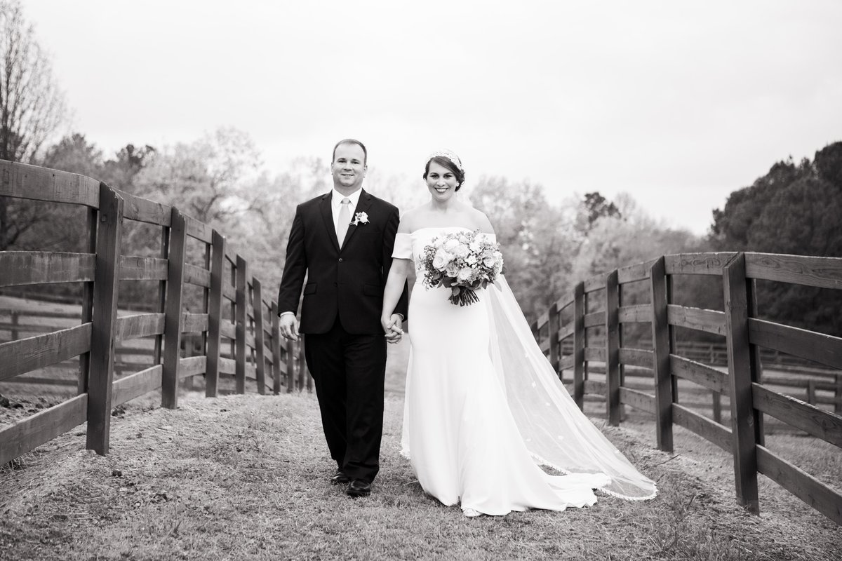 Windwood_Equestrian_Outdoor_Wedding_Venue_Alabama_Farm_Bride081