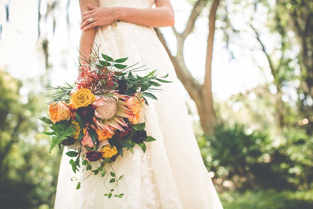 king-protea-bouquet-bridal-inspiration-breaking-tradition-amelia-island-fl