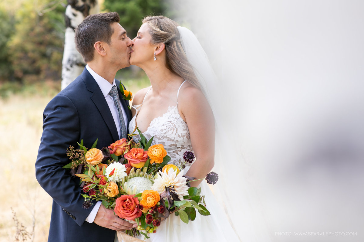 Utah Florist_Sundance_wedings_Orange Bouquet_Luxe Mountain_Weddings_Artisan Bloom--11