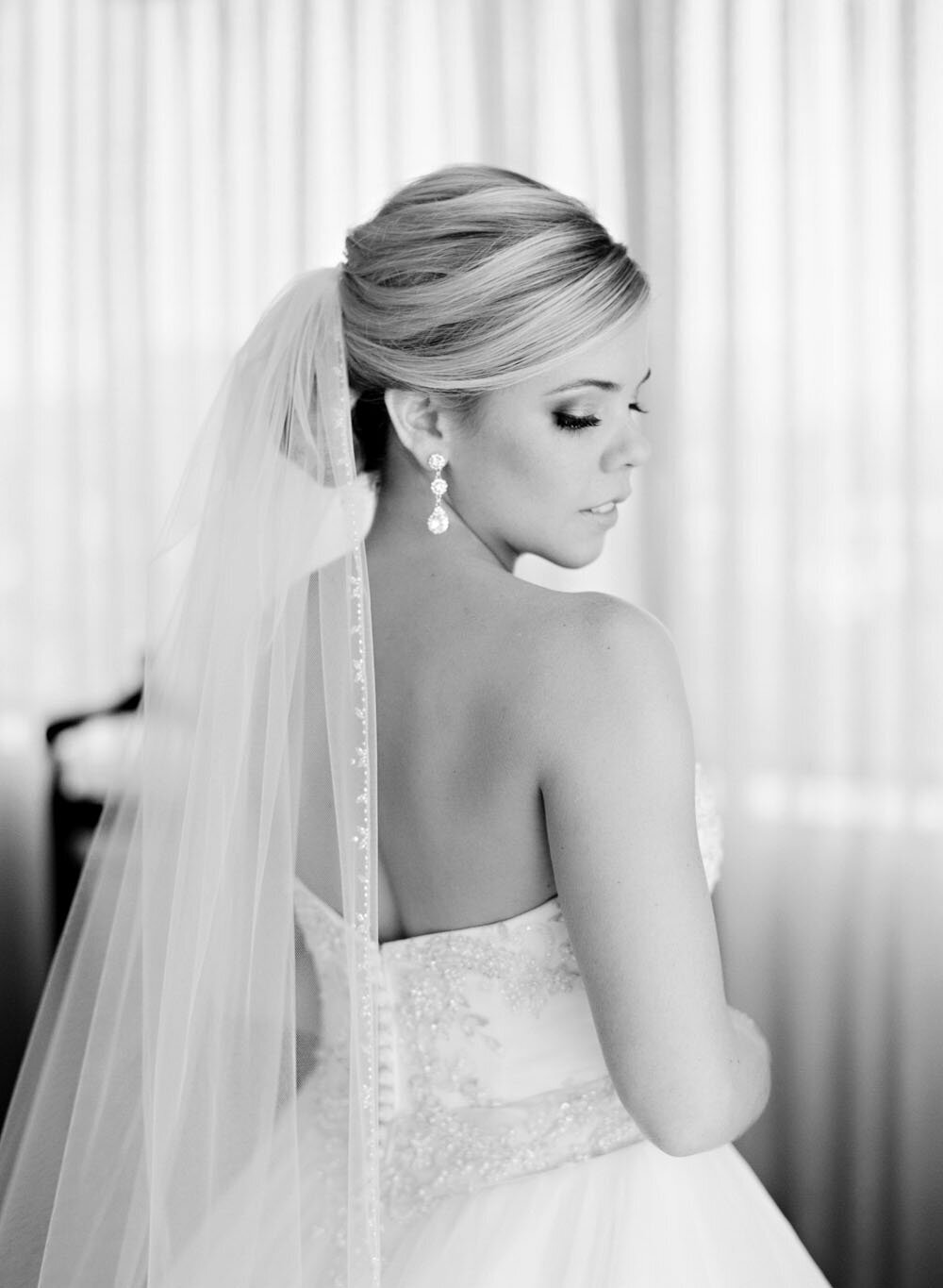 bride_black_white