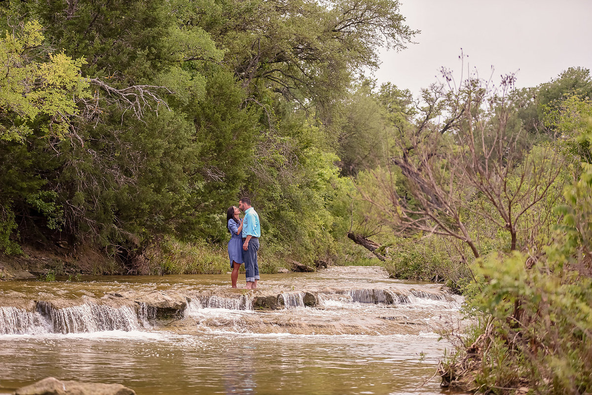 Nicole Woods Photography - Austin Texas Engagement Photographer - Copyright 2016 - 6714