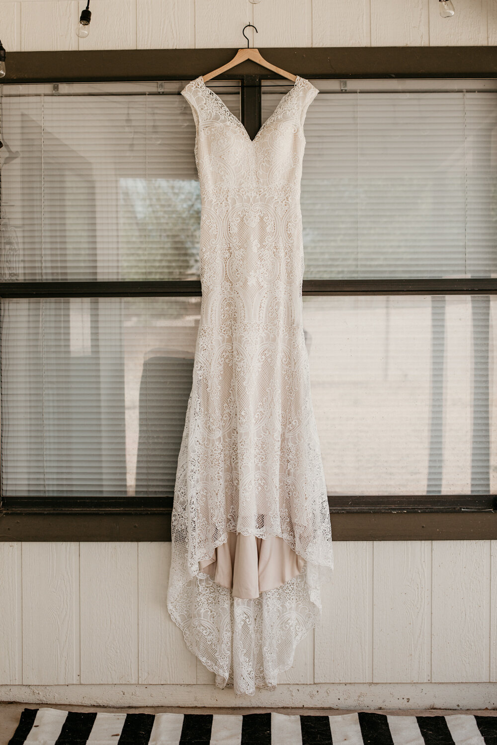 wedding-dress-rentals-for-styled-shoots-elopement-photographer-3
