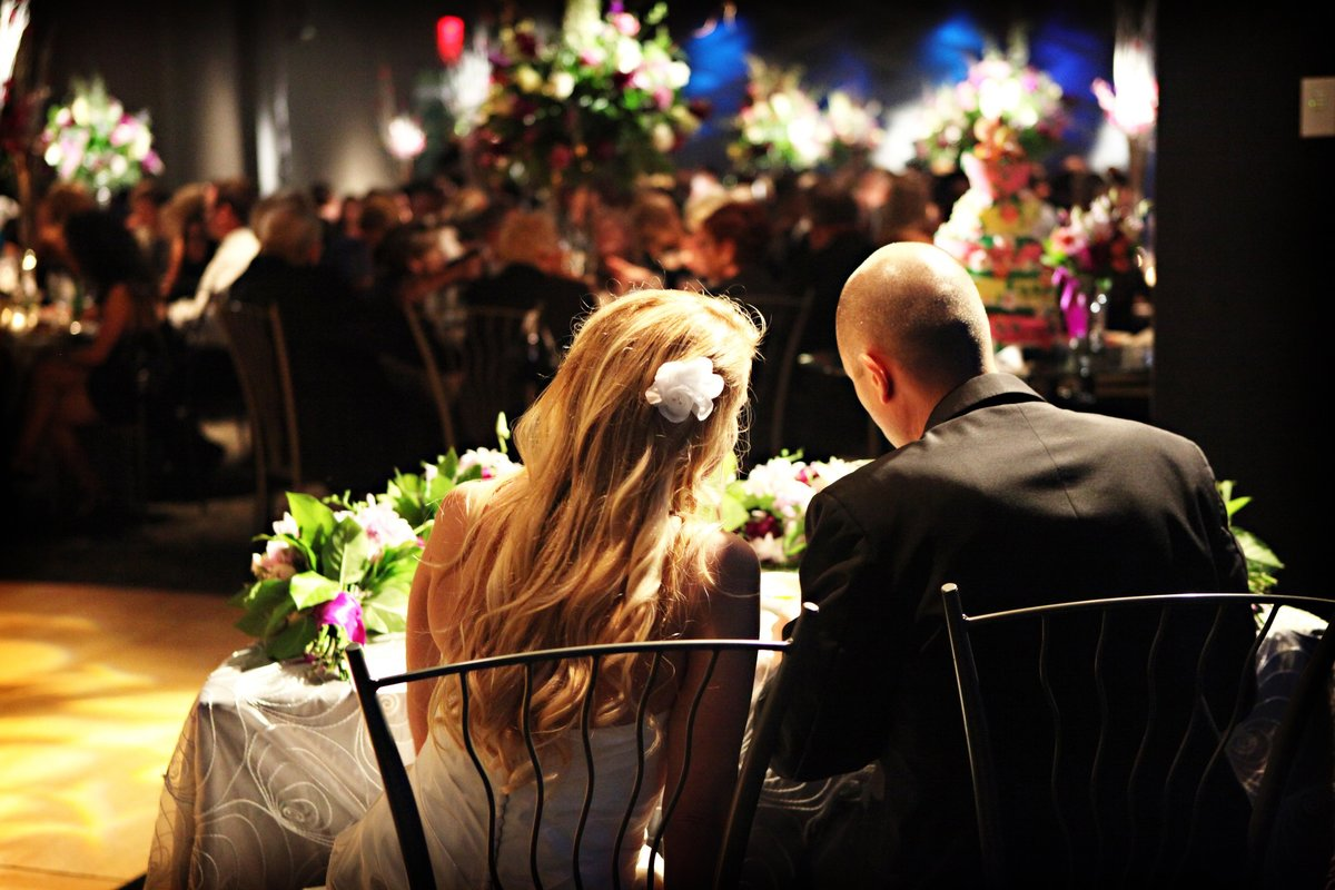 Jewish Wedding at Adventure Aquarium in Camden, NJ florals by Eventricity and photography by Marie Labbancz Photography