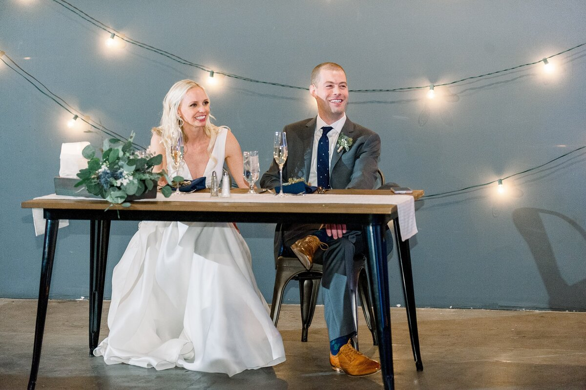 Warehouse-215-wedding-by-Leslie-Ann-Photography-00087