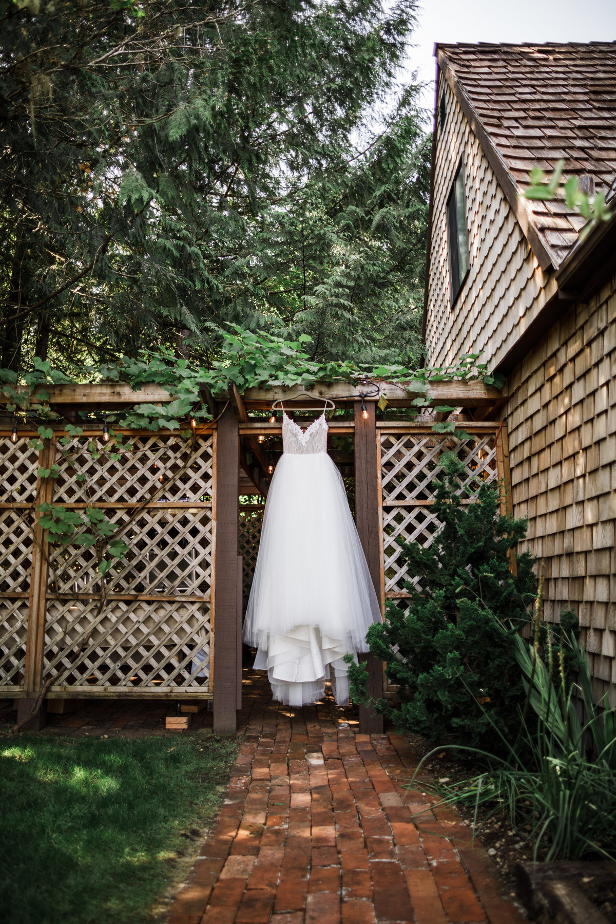 Seattle-Intimate-Backyard-Wedding-Seattle-Wedding-Photographer-1