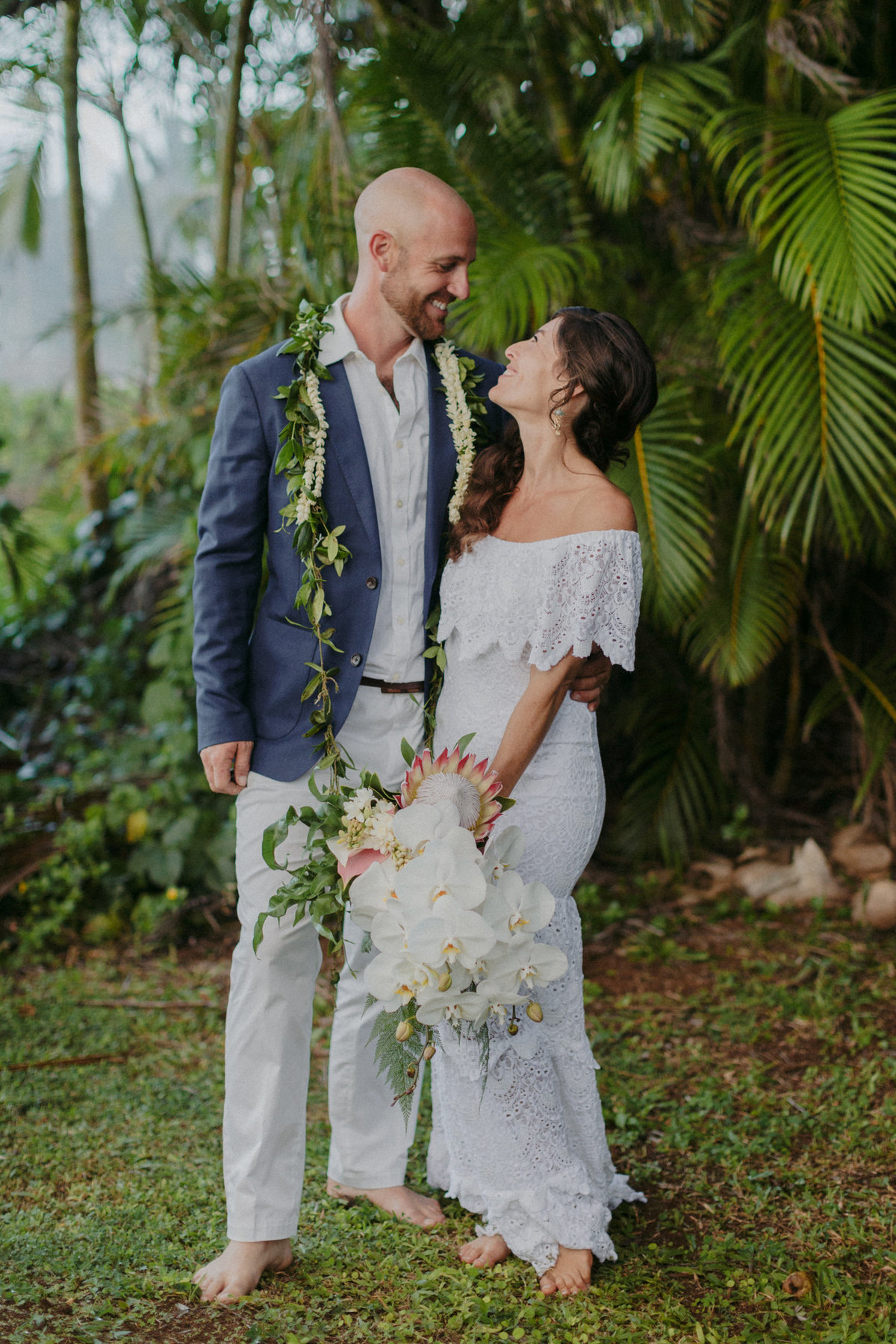 creative_modern_kauai_wedding_photographer_19