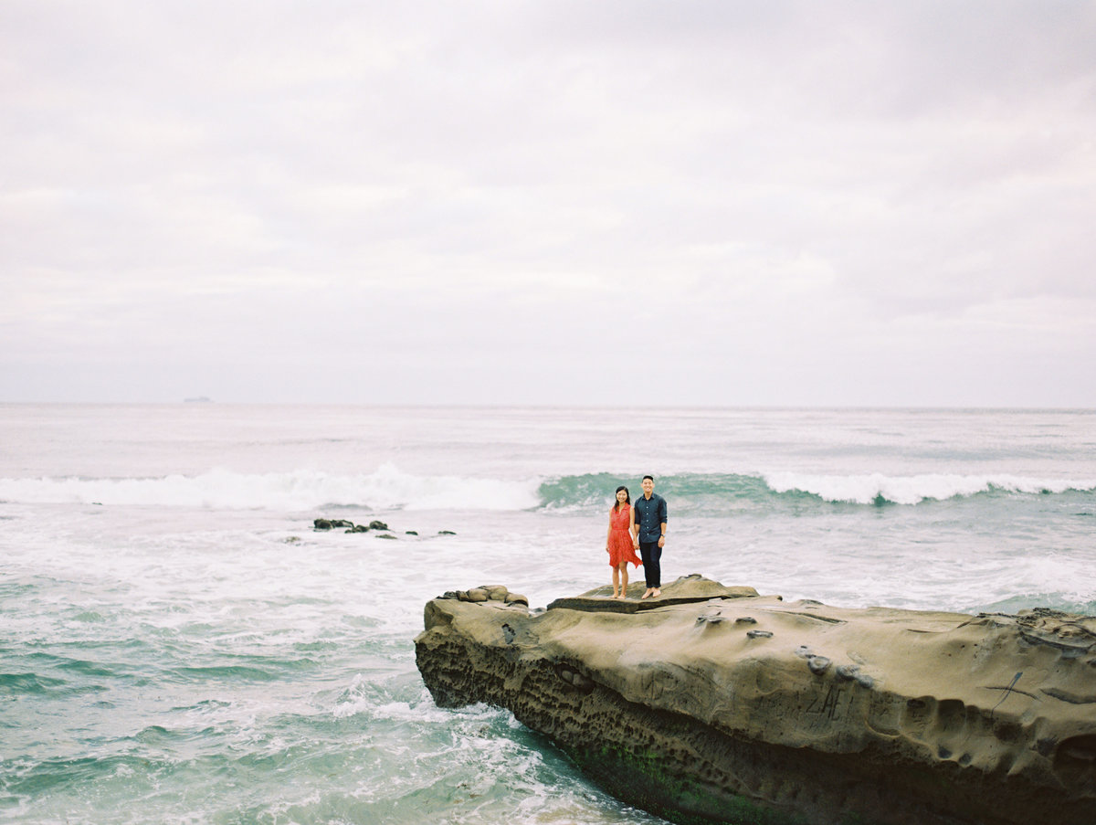 san diego beachy engagement session and windandseabeach