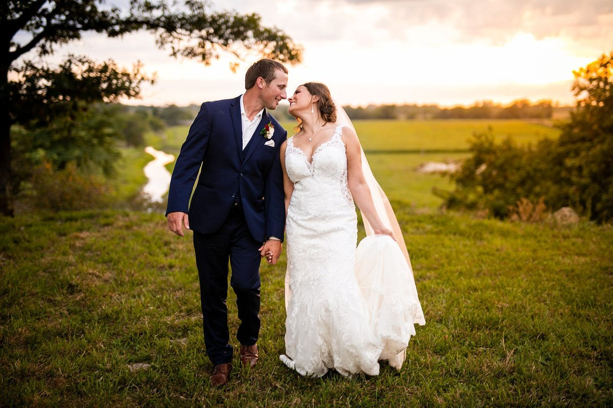 barn-outdoor-pond-wedding-burgundy-blush-sunset-4320