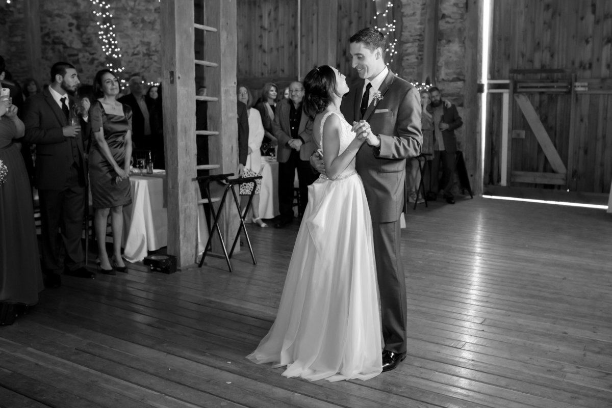 Rustic Barn Wedding Pennsylvania-Rodale Institute Wedding Raquel and Daniel Wedding 21218-13