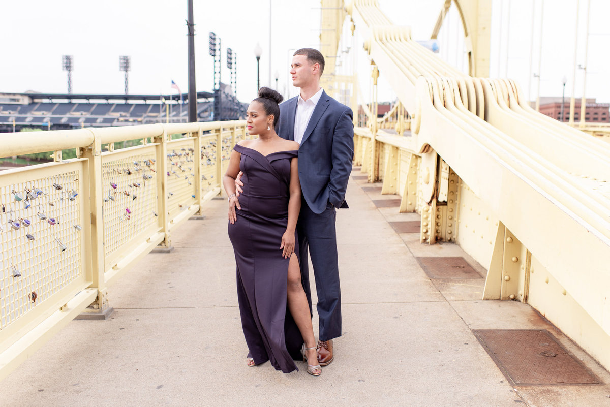 DowntownPittsburghPAWeddingEngagementPhotography2-7
