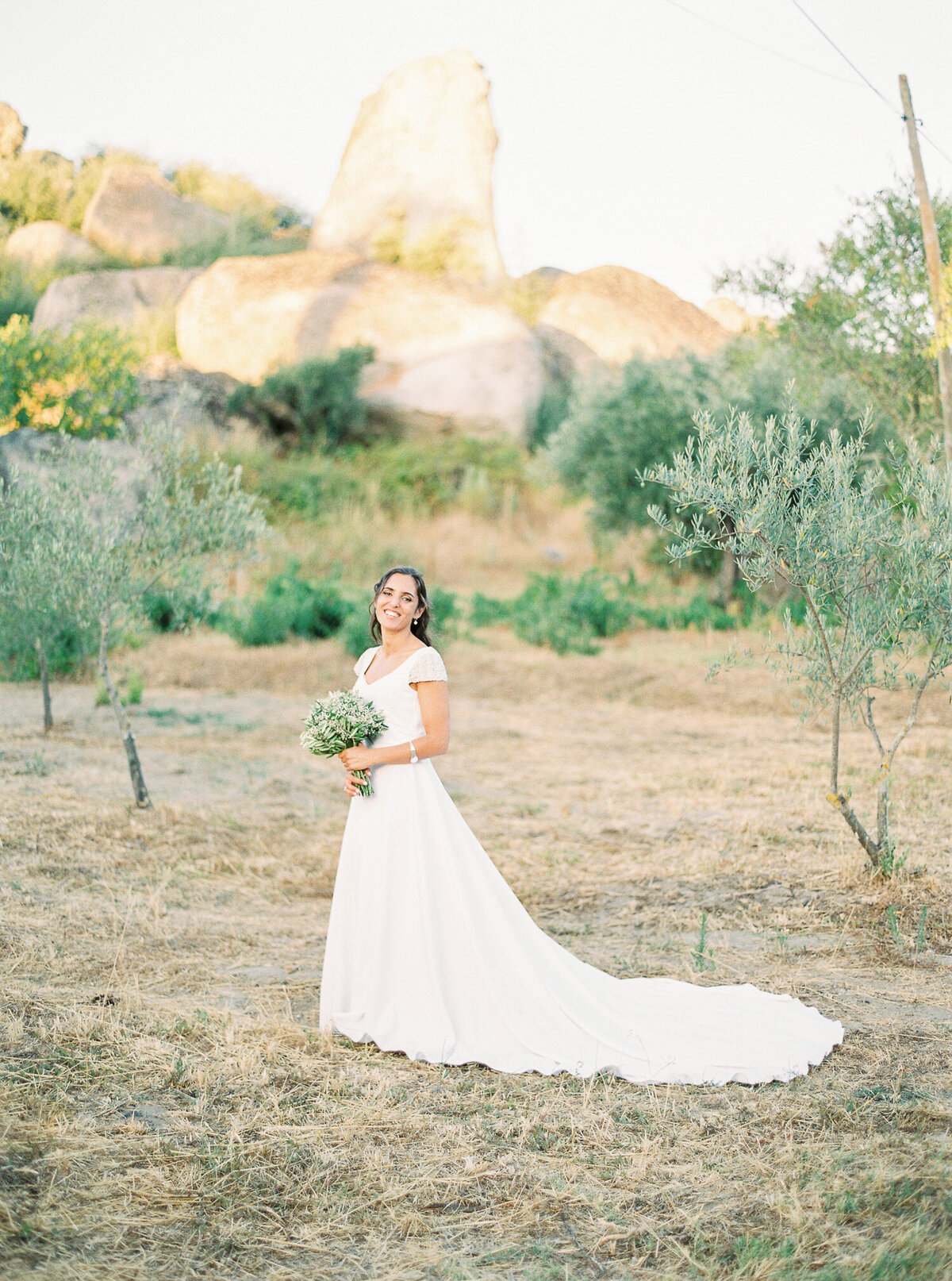 wedding_with_a_vintage_car_in_marvão-30
