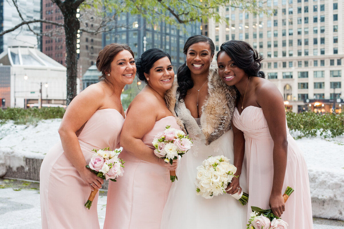 08-Langham-Chicago-Wedding-bridesmaids