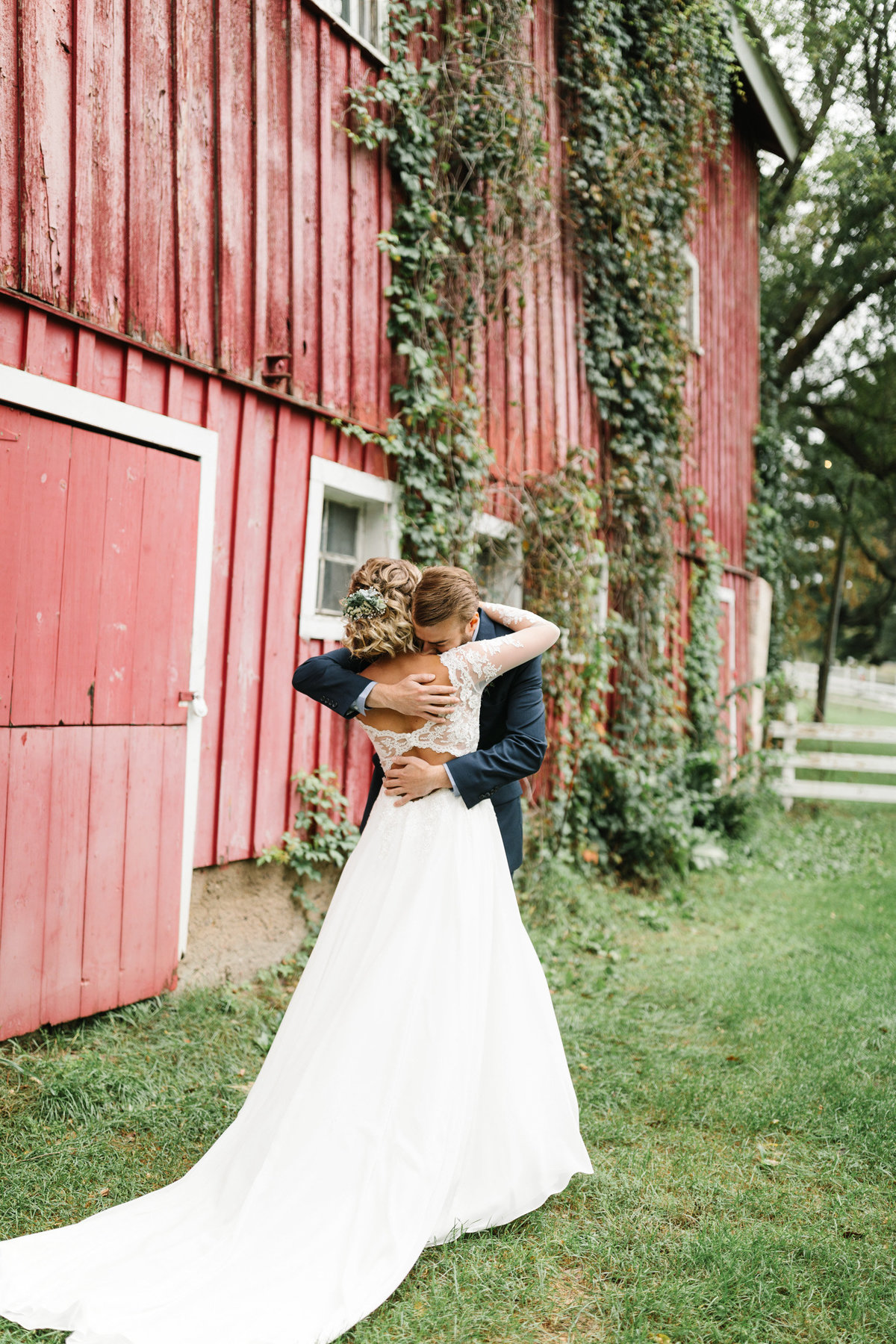 Hope-Glen-Farm-Cottage-Grove-Minnesota-September-Fall-Wedding-20