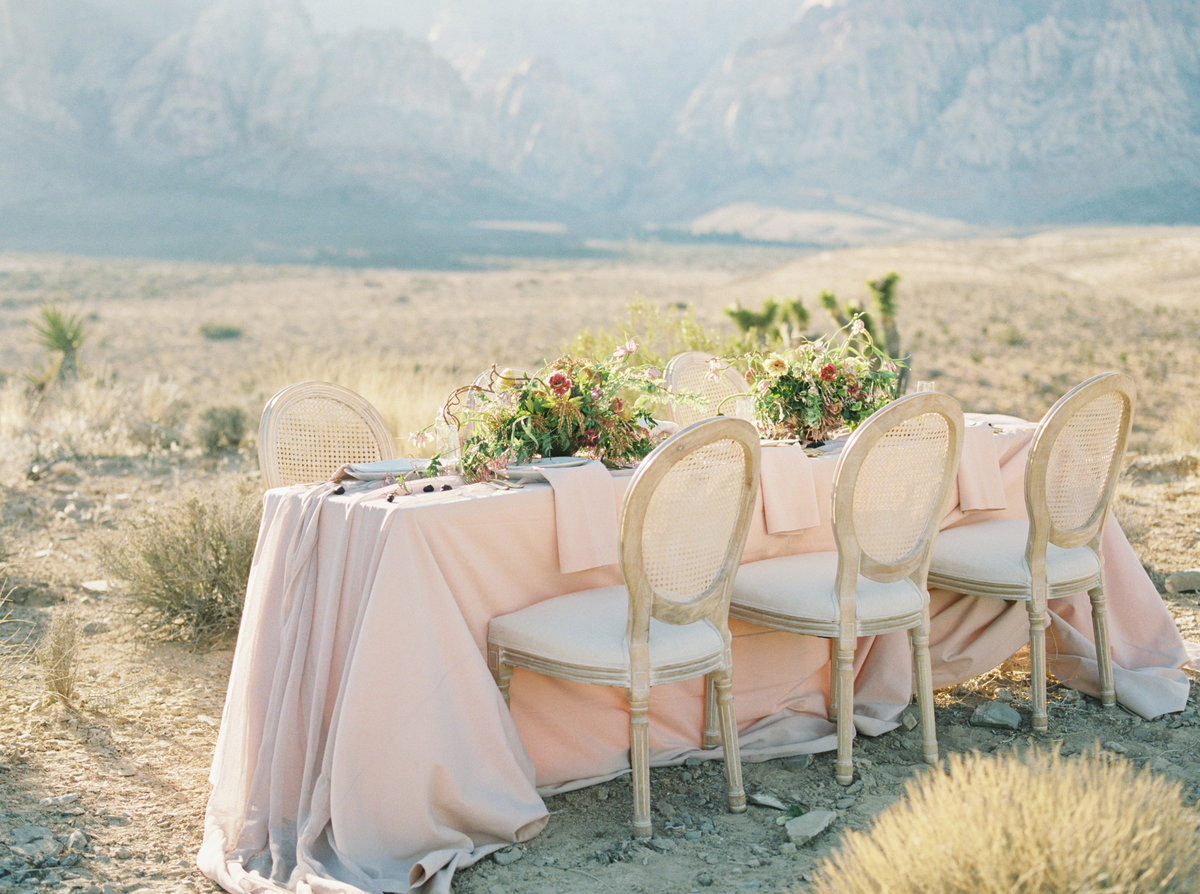 Wedding table in Red rocks desert in Las Vegas, Nevada
