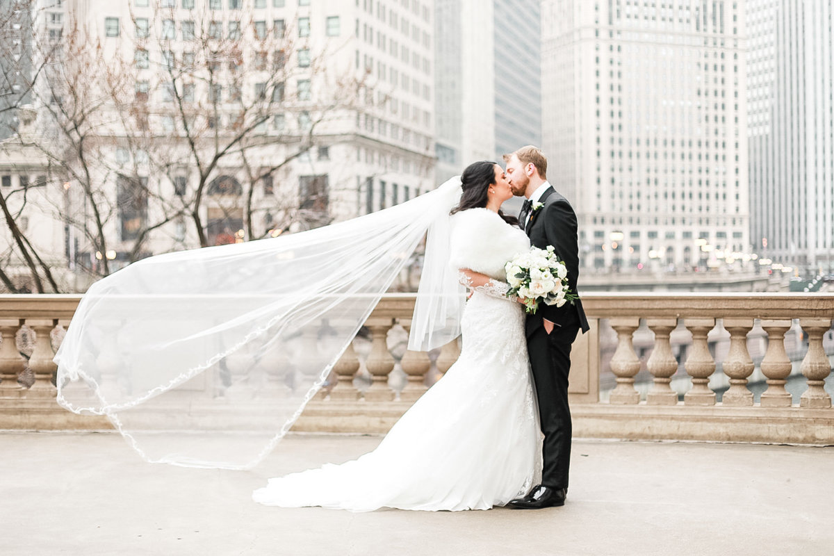 Chicago Light and Airy Wedding Photographer