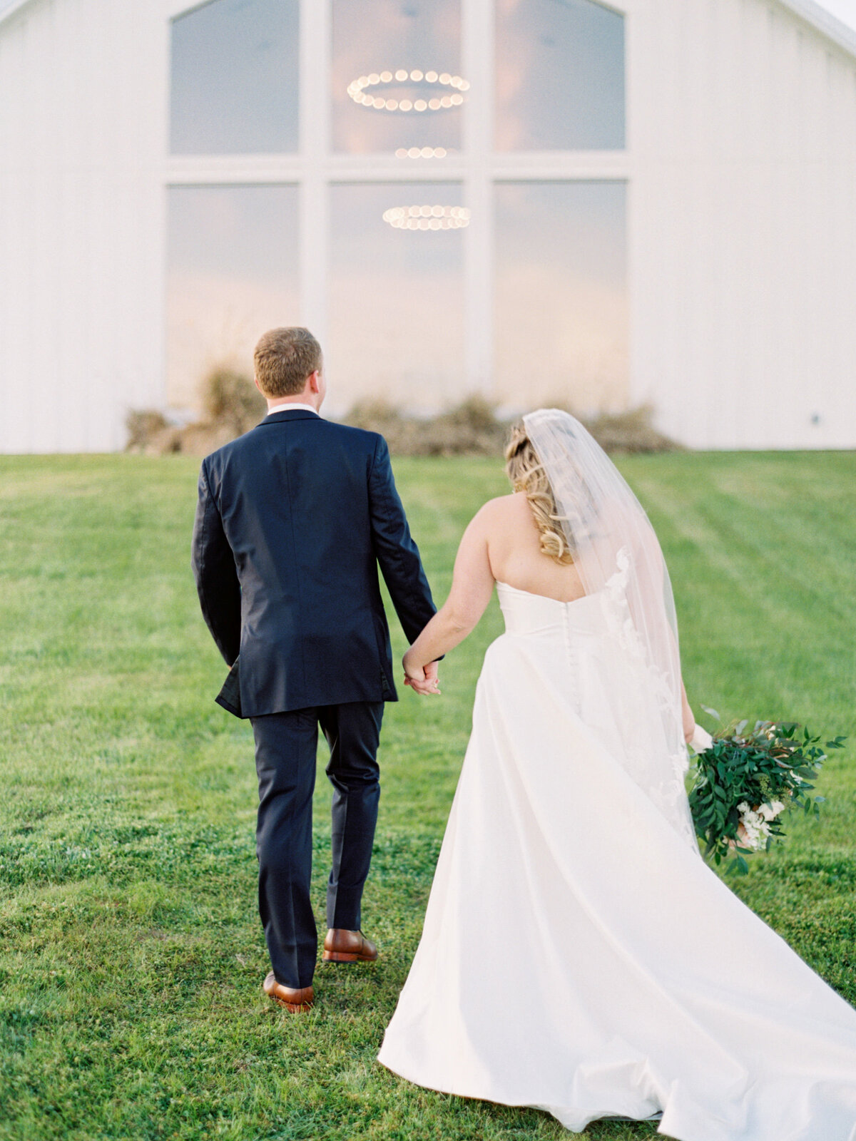 the-farmhouse-wedding-houston-texas-wedding-photographer-mackenzie-reiter-photography-87