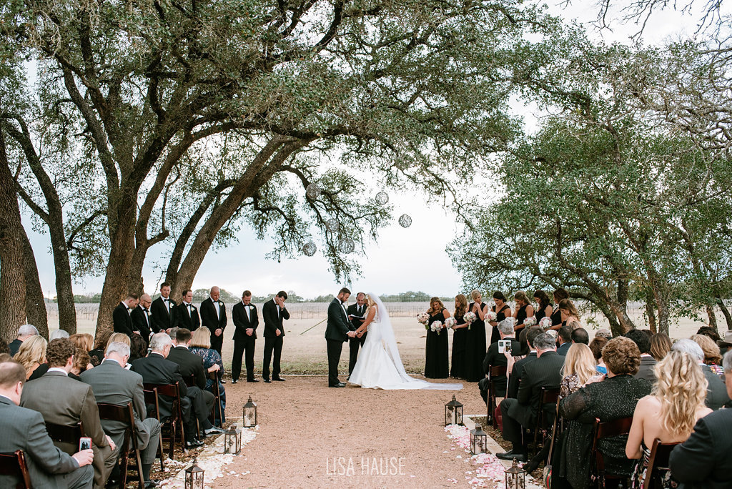 duchmanwinery_thelineymoon_lisahause_austinwedding_111