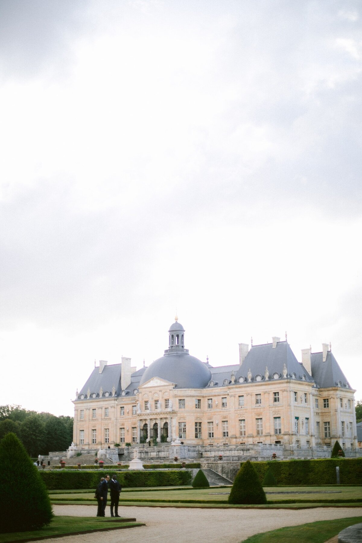 vaux-le-vicomte-luxury-wedding-phototographer-in-paris (10 of 56)